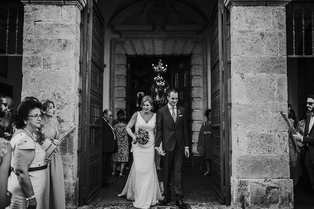 fotografía de boda, fotógrafos de bodas córdoba, bodas Córdoba, novias, Iglesia de San Cayetano, salida novios arroz