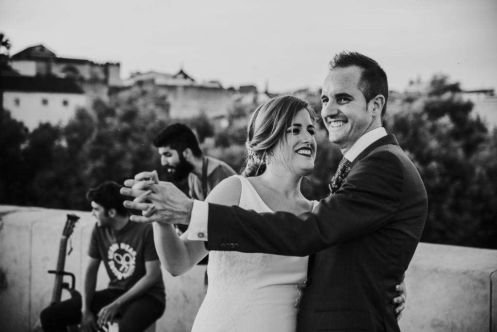fotografía de boda, fotógrafos de bodas córdoba, bodas Córdoba, novias, Puente romano