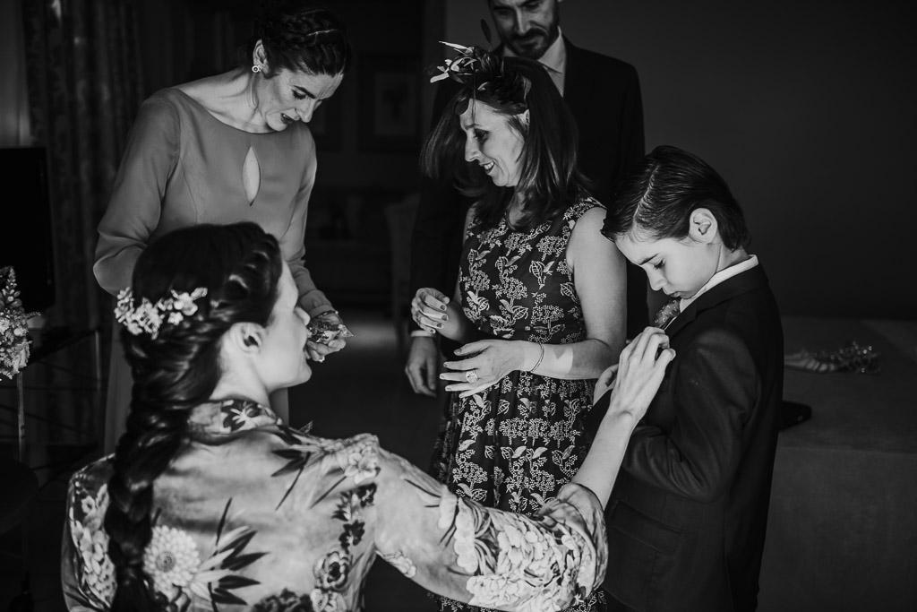 Carpe fotografía, preparativos novia, Parador de la Arruzafa, Parador de Córdoba, Bodas en Córdoba, Fotógrafos de Córdoba, fotografía de boda, Bodas en el parador de la arruzafa, novias con encanto, blanco y negro