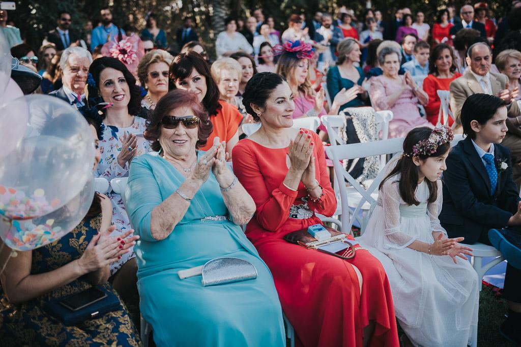 Carpe fotografía, ceremonia civil, Parador de la Arruzafa, Parador de Córdoba, Bodas en Córdoba, Fotógrafos de Córdoba, fotografía de boda, Bodas en el parador de la arruzafa, Boda civil córdoba, aplausos