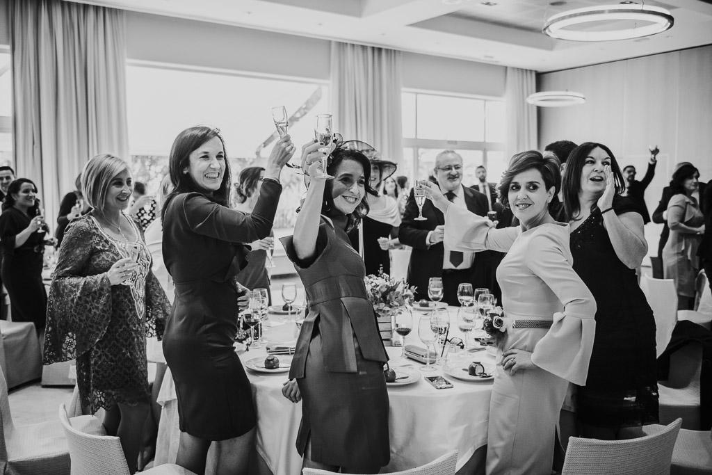 Carpe fotografía, ceremonia civil, Parador de la Arruzafa, Parador de Córdoba, Bodas en Córdoba, Fotógrafos de Córdoba, fotografía de boda, Bodas en el parador de la arruzafa, Boda civil córdoba, Banquete, brindis novios