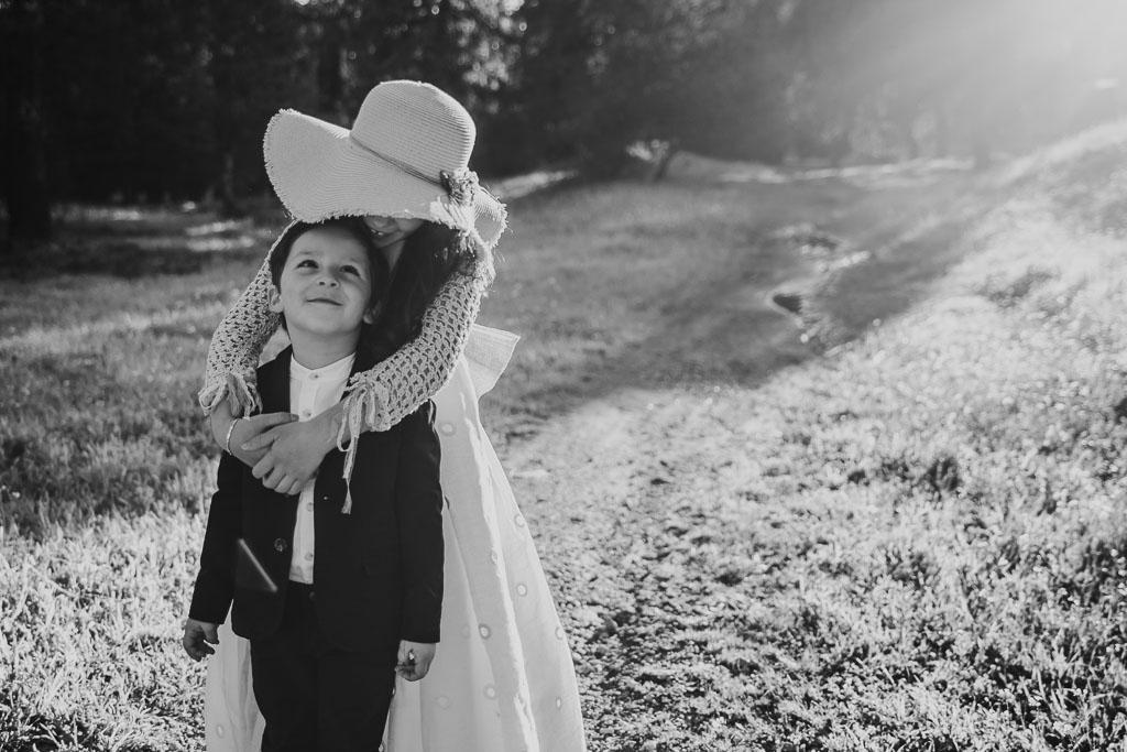 fotografia de comunión en blanco y negro
