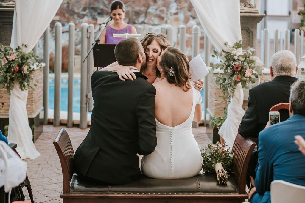 besos boda